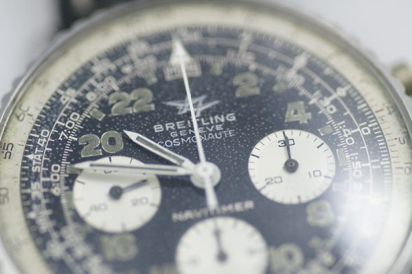 rare-watches-co-montres-occasion-bordeaux-breitling-navitimer-cosmonaute-809-dial