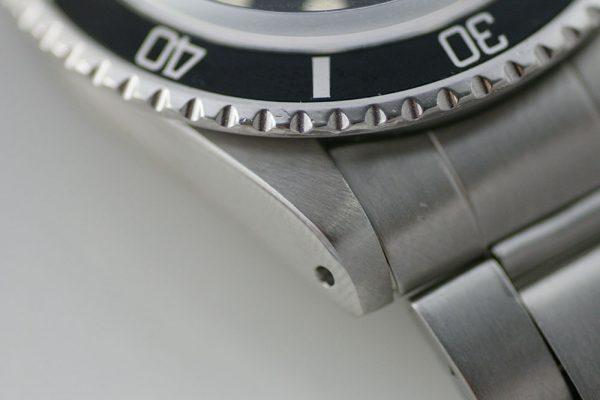rare-watches-co-bordeaux-montres-occasion-bordeaux-rolex-submariner-1680-maxi-dial-mark-i-case2